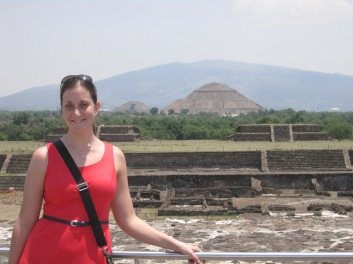 Alisha at the Pyramids of Teotihaucan